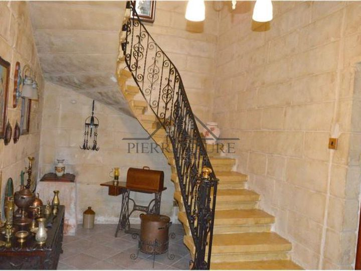 House in city Qrendi