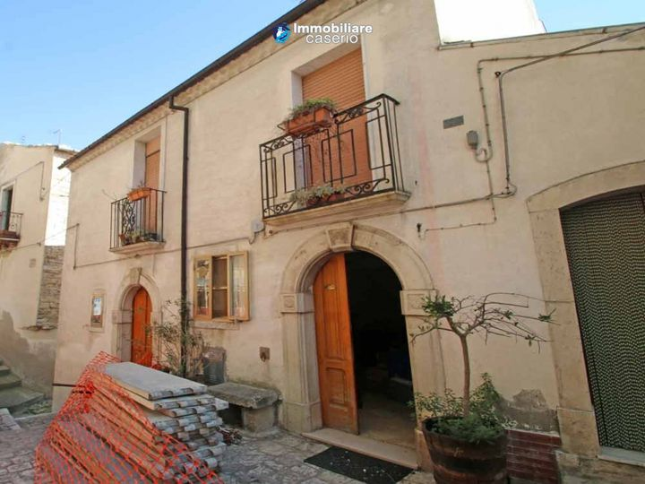 Townhouse in city Castelbottaccio