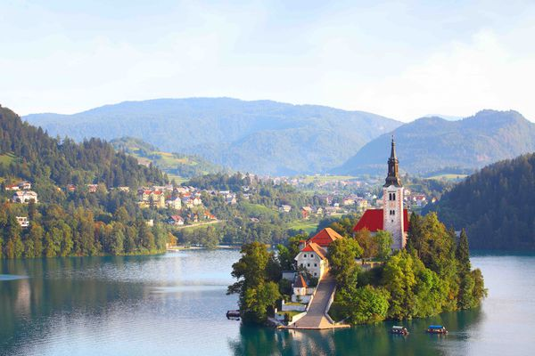 Slovenia: a country at the crossroads of landscapes and cultures. Part 1