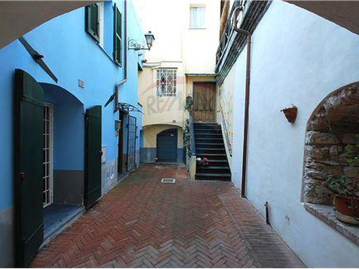 Apartment in city Borghetto Santo Spirito