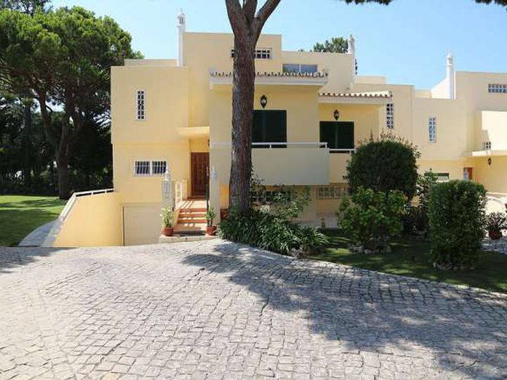 Townhouse in city Vilamoura