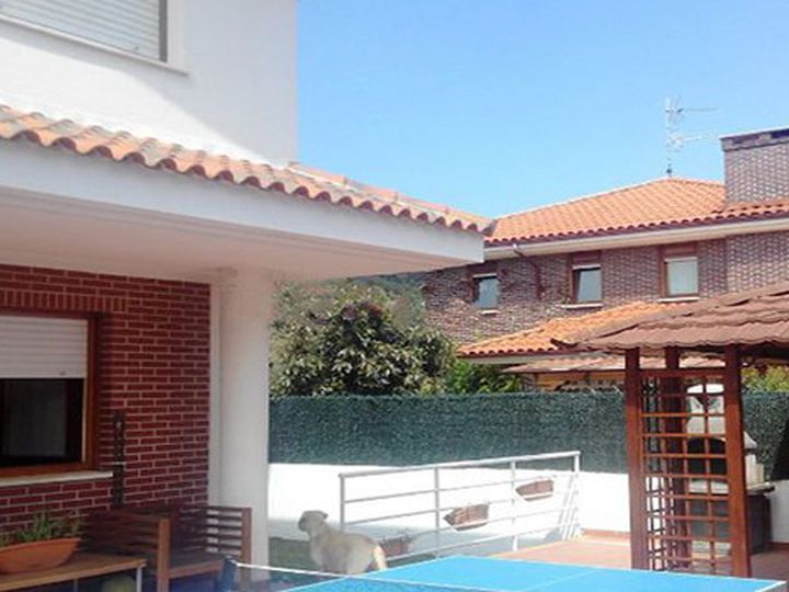 Chalet in city Castro-Urdiales
