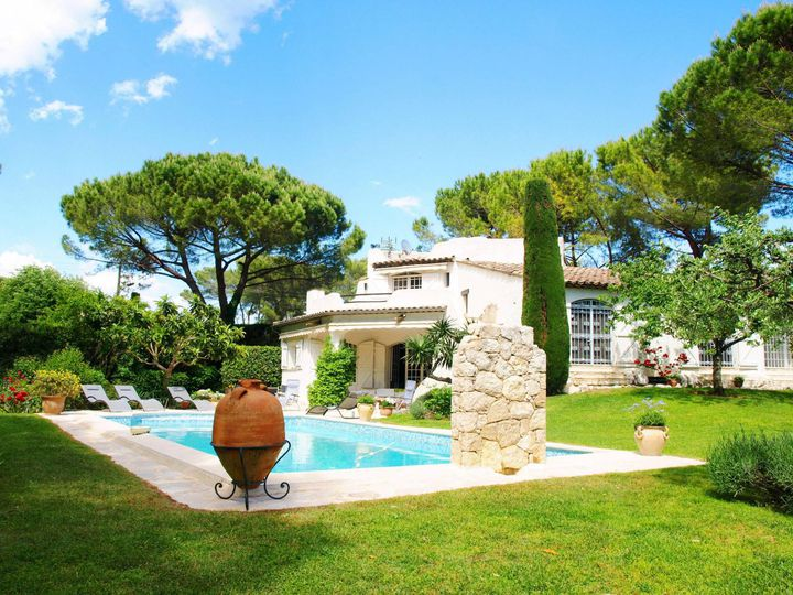 Villa in city Mougins