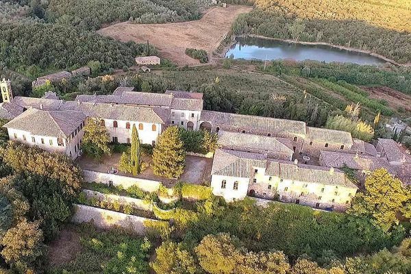 Villages for sale: from € 215K. in Spain to € 40 mln. in Italy