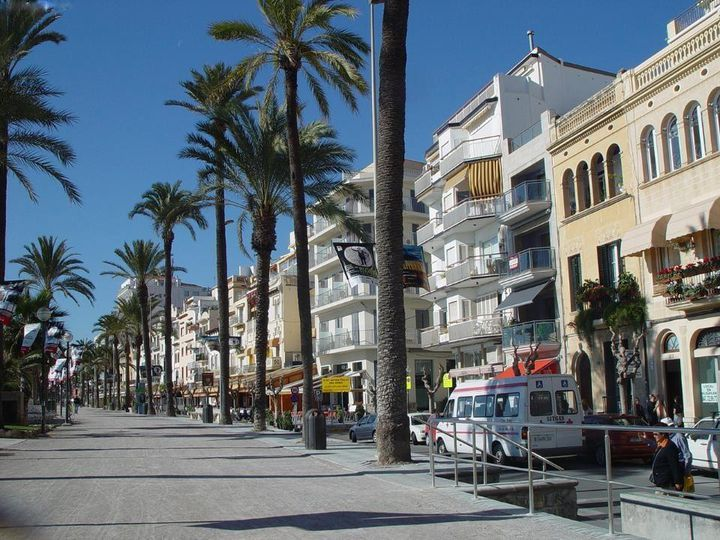 Apartment house in city Sitges