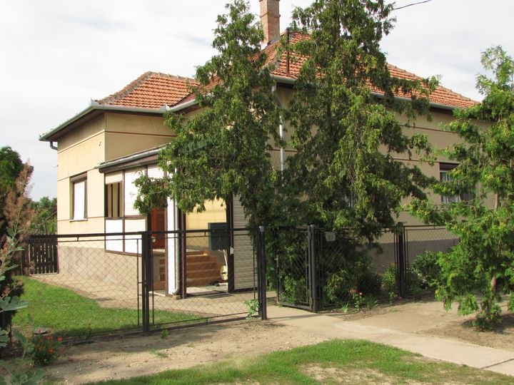 House in city Baksa