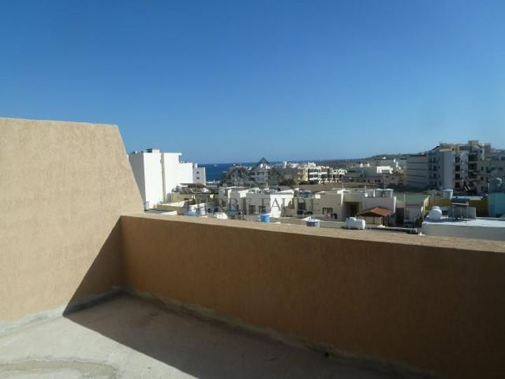 Penthouse in city Marsaskala