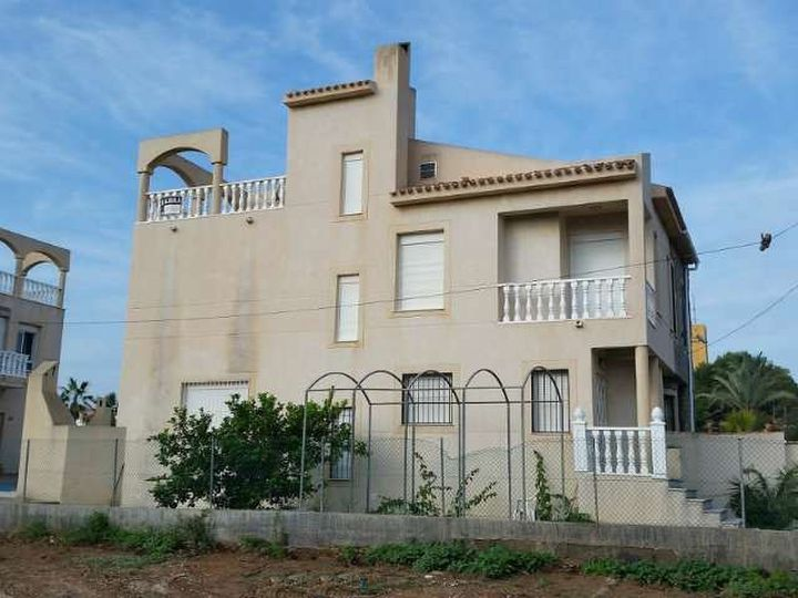 Semi-detached house in city Torrevieja