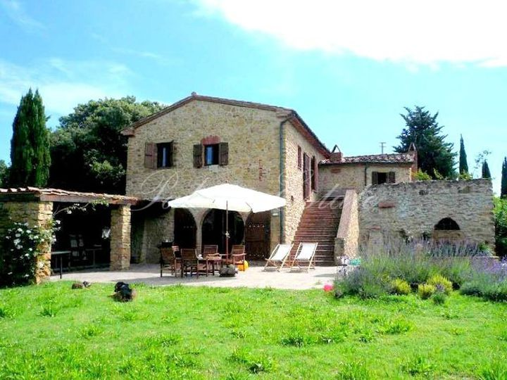Villa in city Guardistallo