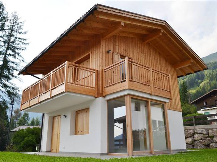 Chalet in city Bellamonte