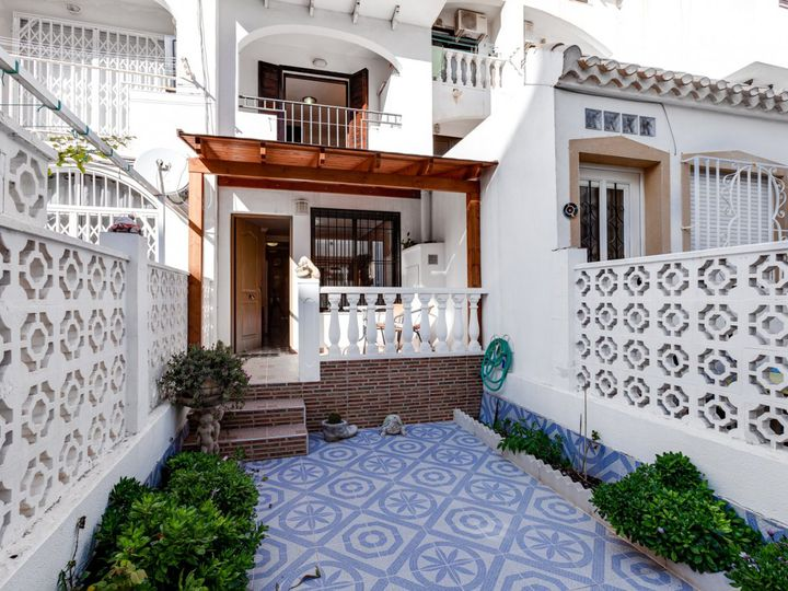 Cottage in city Torrevieja