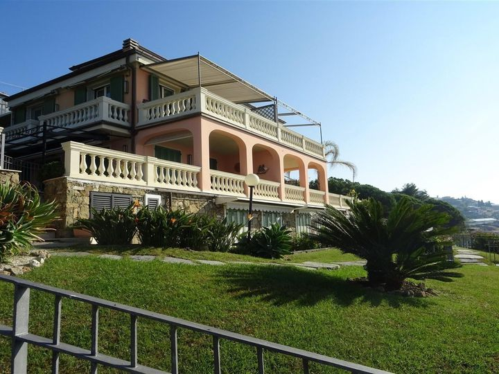 Apartment in city San Remo