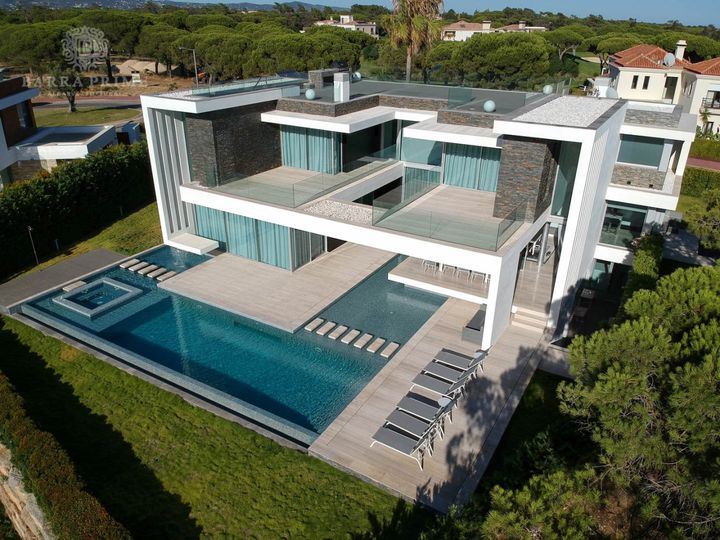 Villa in city Vale de Lobo