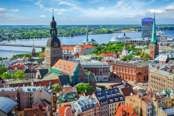 Latvian step toward banning residence permit for the Russians. Expert's point of view