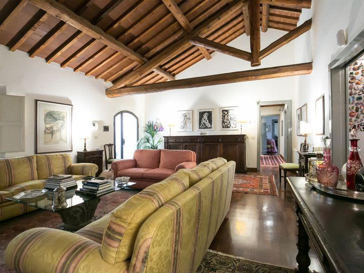 Semi-detached house in city Siena