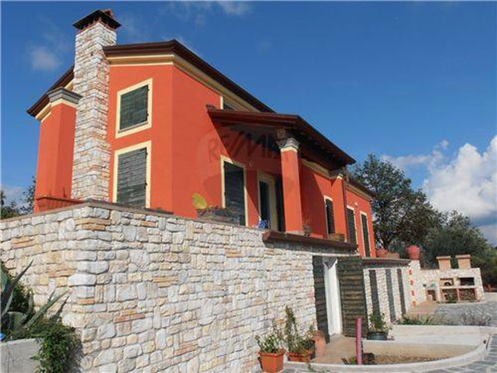 Villa in city Vezzano Ligure