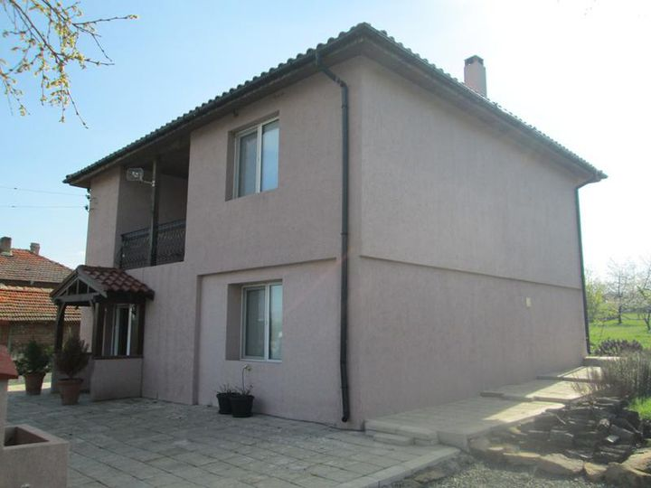 Detached house in city Dragantzi