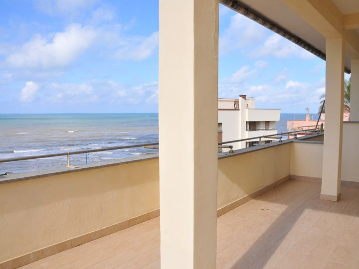 Penthouse in city Anzio