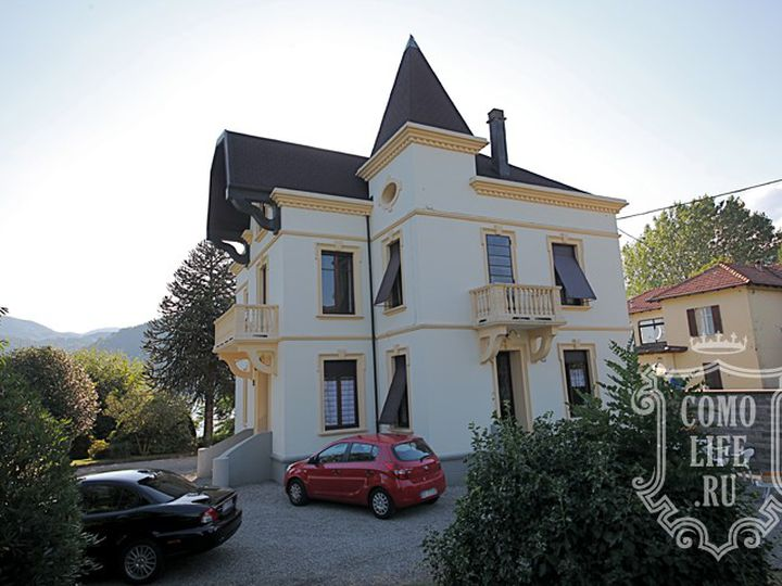 Villa in city Pettenasco