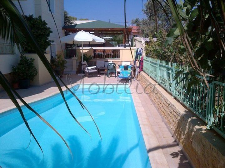 Detached house in city Porto Rafti