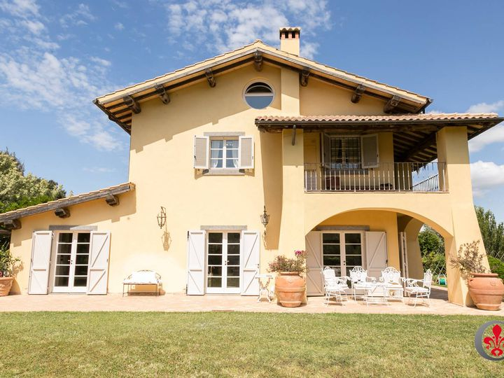 Villa in city Montalto di Castro