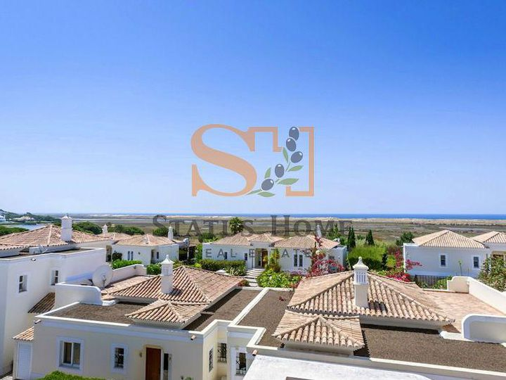 Townhouse in city Quinta do Lago